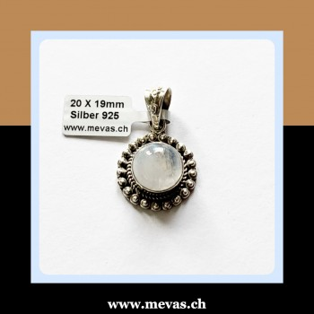 Moonstone / pendant made of...