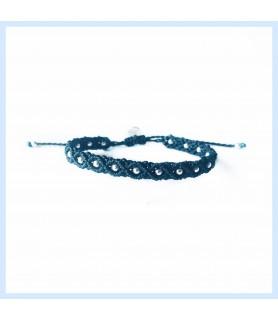 Armband aus Fäden und...